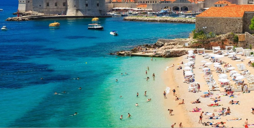 Car hire at Dubrovnik airport - save money on transportation costs